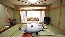 にっしょうかん新館 梅松鶴の和室