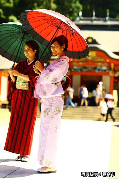 和服で霧島神宮イメージ