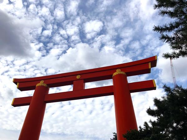 秋晴れの平安神宮