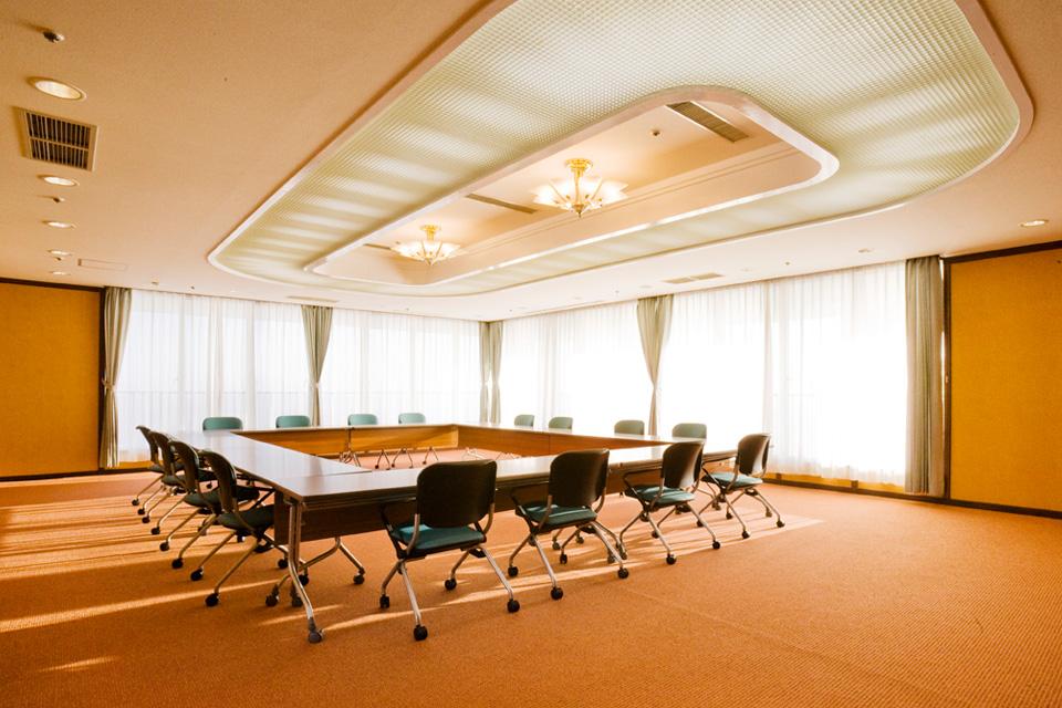 三河湾ヒルズ・ホテルの会議室「松の間」