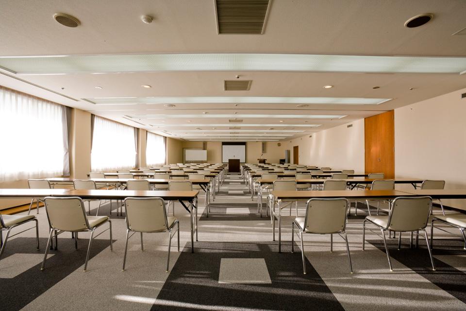 三河湾ヒルズ・ホテルの会議室「梅・竹の間」