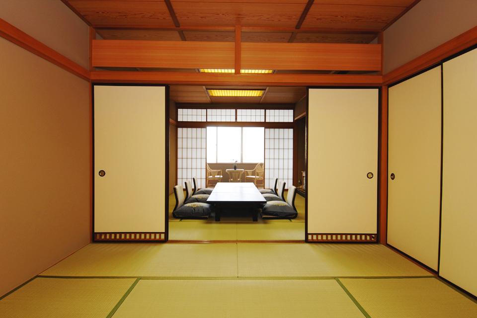 三河湾ヒルズの客室「和室12.5+10畳」