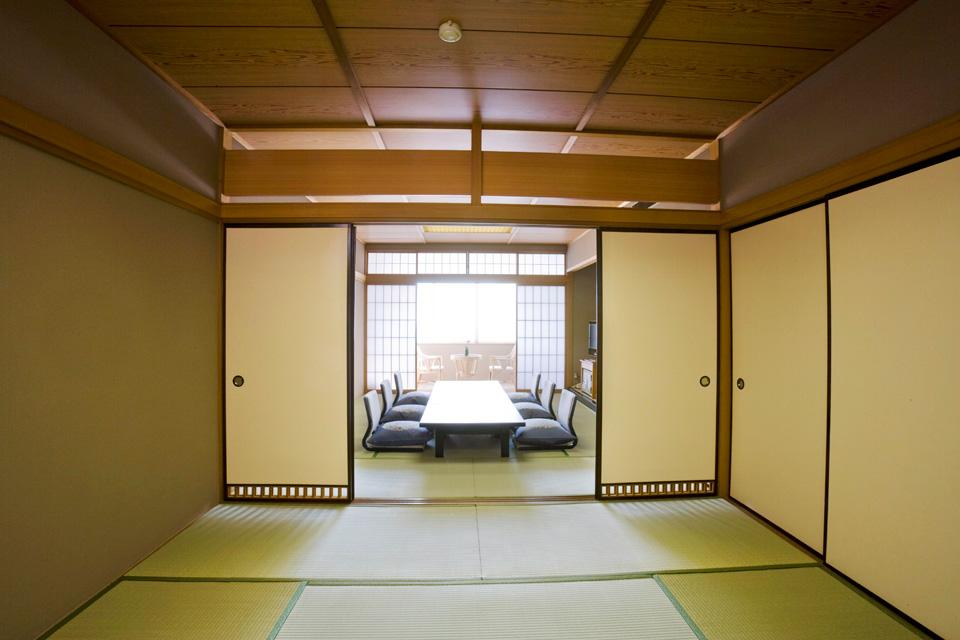 三河湾ヒルズの客室「和室20+4.5畳」