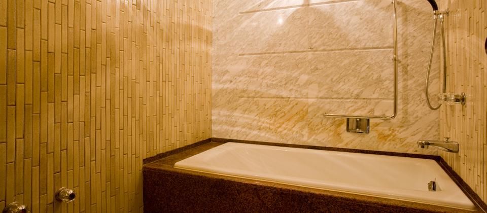 三河湾ヒルズ・ホテルの特別室 和室+ツインのお風呂