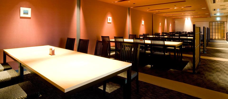 三河湾ヒルズ・ホテルのレストラン「あぐり」店内