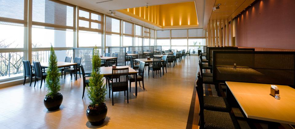 三河湾ヒルズ・ホテルのレストラン「あおい」昼間