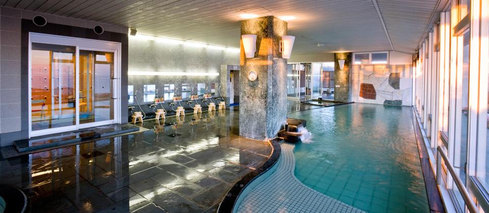 三河湾ヒルズ・ホテルの大浴場・サウナ「天景」夕方