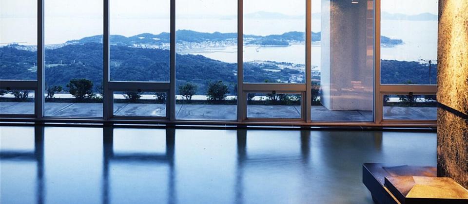 三河湾ヒルズ・ホテルの大浴場・サウナ「天景」からの景色