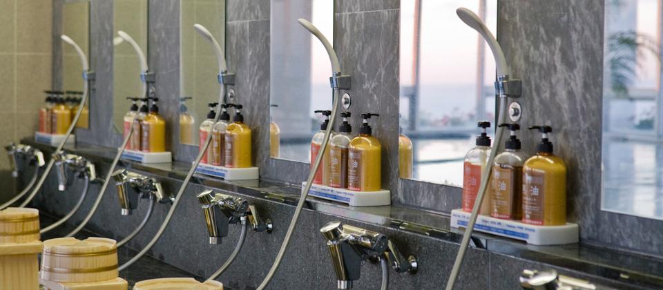 三河湾ヒルズ・ホテルの大浴場・サウナ「天景」の洗い場