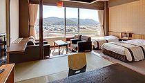 三朝ロイヤルホテル 和洋室(和室7.5畳+ツインベッド)