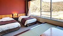 三朝ロイヤルホテル 和洋室(和室6畳+ツインベッド)