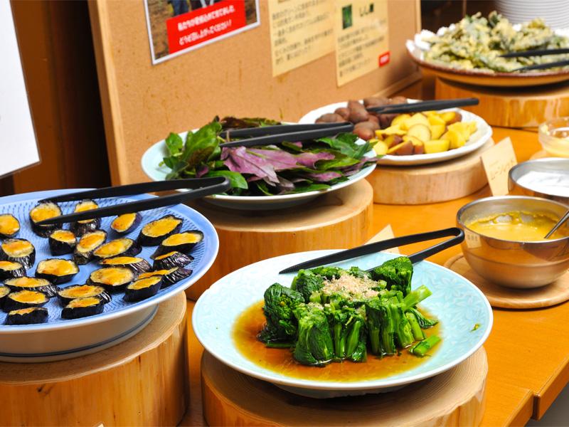 南海荘の野菜コーナー